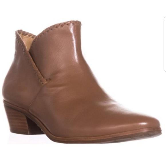 6abe677b7971 Jack Rogers Shoes - 💖JACK ROGERS SADIE BOOTIES!